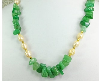 Natural Cream Colored Cultured Pearls and Green Adventurine Stone Chips Necklace OOAK