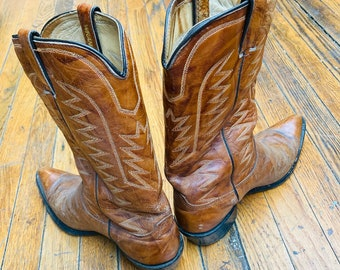 WRANGLER COWBOY BOOTS in brown leather, unique colors, vintage cowgirl boots, western wear, wedding, two stepping,