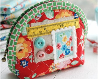 PDF Quilted Notions Pouch Sewing Pattern - Zipper Pouch