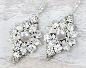 Crystal and Pearl Wedding Earrings, Dangle Drop Chandelier earrings for bride, Large Bridal earrings, Wedding jewelry, silver pearl crystal