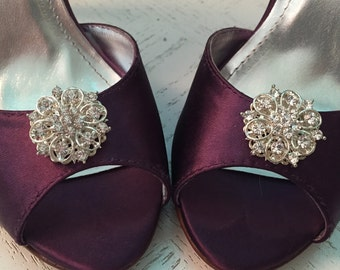 Wedding shoe clips, clear crystal, flower shoe clips, silver shoe clips, bridal shoe clips, wedding shoes, rhinestone shoe clip, set of 2