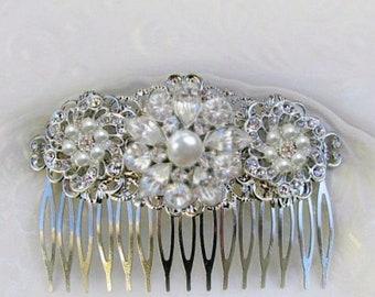 Bridal Hair Comb, Wedding Hair Clip, pearl Barrette, Crystal head Piece, Wedding Hairpiece, Crystal comb, Decorative Comb