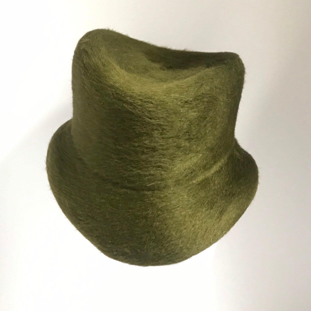 9ffd861256b Forest green fur felt vintage style hat.