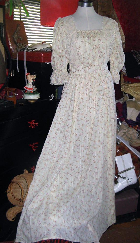 Vintage 1970s handmade Gunne Sax style prom or wed