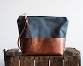 Small Leather and Waxed Canvas Crossbody, Gray Bag, Canvas Wristlet, Light Crossbody, Small Shoulder Bag, Everyday Bag,  Leather Wristlet