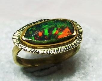 Black Opal Gold Solitaire Ring, Natural Opal and 18 kt Solid Gold Statement Ring, Hand Made Opal Golg Ring