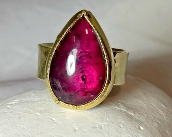 Pink Tourmaline Ring, Solitaire Ring, Solid 18 kt gold and 12 carat tourmaline Statement ring, large gemstone, Pink tourmaline cocktail ring