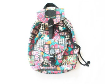 1990's EXPRESS Backpack in floral and Houndstooth / Quilted Design / Bucket Tote / Drawstring / 1990s / Fuchsia Print Paisley RARE