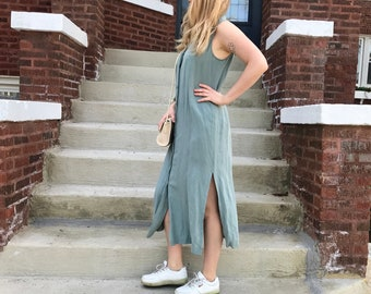 Mossy Linen and Silk Dress in Size 10/12/14