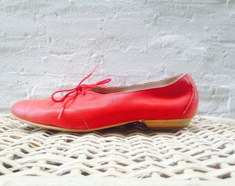 1980's Red Leather Ballet Flats / Slip Ons / Size 6.5 - 7 / Polite / Easy Going / 80s / suede / vibrant hues / street shoes / women's 6