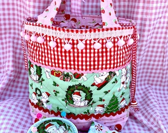 Adorable Kewpie Xmas Quilted sewing tote bag and accessories gift set .. Pincushion.. Needle Case .. Kawaii.. Handmade + Ooak.. Great Gifts