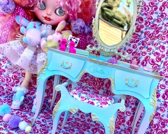 Vintage Barbie Suzy Goose Vanity.. Up Cycled and Ooak!!.. Super Pretty..Blythe.. dollhouse. doll furniture!!.. Christmas Gifts