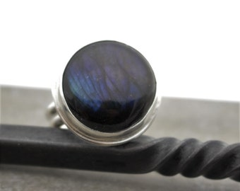 Labradorite Ring - Sterling Silver Gemstone Ring - Gift for her - Statement Ring - Jewelry Sale