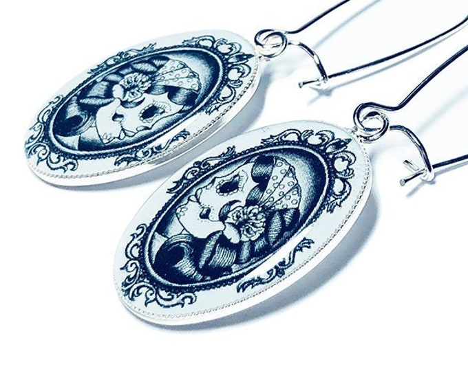 Sugar Skull Day of the Dead Skull Dangle Earrings, Day of the Dead Dia de los Muertos Jewelery, Christmas Gift for Her, Gifts under 20