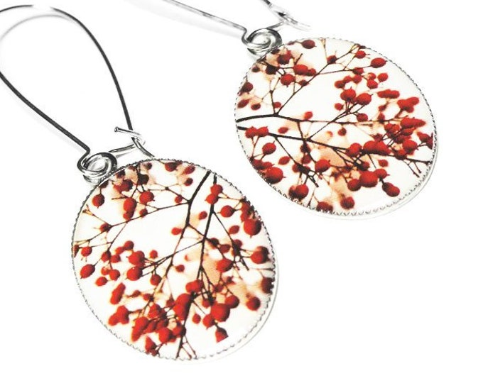Winter Red Berries Earrings,  Christmas Jewelry, Holiday Dangle Earrings, Handmade Gift for Her, Nature Earrings, Holiday Jewelry