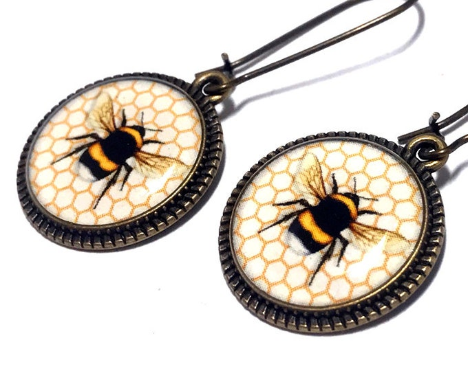 Bee Earrings, Bumble Bee Earrings, Honey Comb, Dangle Earrings, Handmade, Bugs, Resin Jewelry, Honey Bee Population, Protection