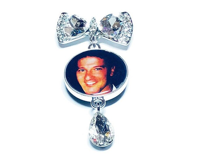 Crystal Bow Bridal Bouquet Photo Charm, Personalized Memorial Picture Brooch, Custom Wedding Pin, Gift for the Bride, Memorial Gift for Her