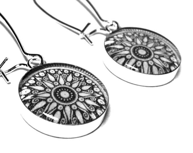 Black and White Mandala Earrings, Monochrome Jewelry, Dangle Earrings, Resin Earrings, Handmade Earrings, Black, White