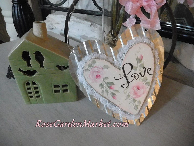 Hanging Valentine Love Heart with Hand Painted Pink Roses Tin image 0
