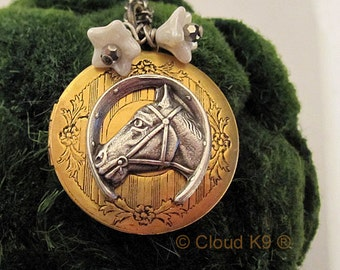 HORSE NECKLACE LOCKET Horse Jewelry Vintage Style Equestrian Jewelry Horse Lovers Cowgirls Country Western Quarter Horse Pony Colt Horseshoe