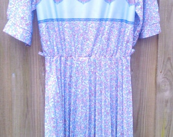 Vintage Size 14 Plus Size 1970s Dress