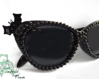 563bfc9f818 Bats   Black Pearls Cat Eye Gothic Psychobilly Sun Glasses