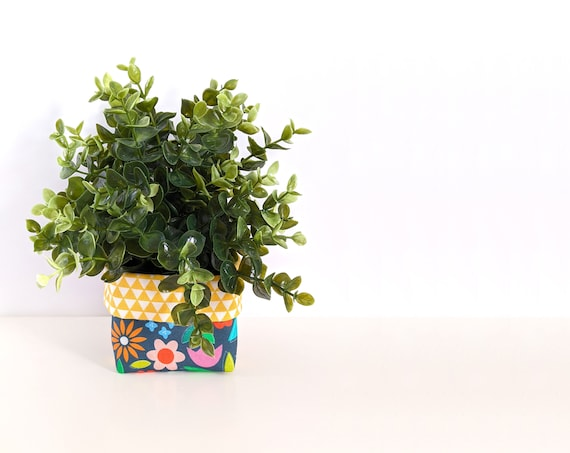 Modern floral fabric plant cozy with faux plant - blue and yellow floral planter - blue fabric plant pot
