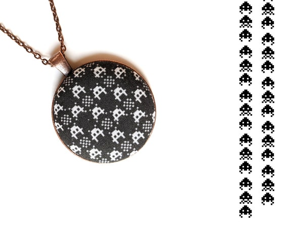 Space Invaders handmade fabric necklace - fabric button necklace - Retro video game necklace