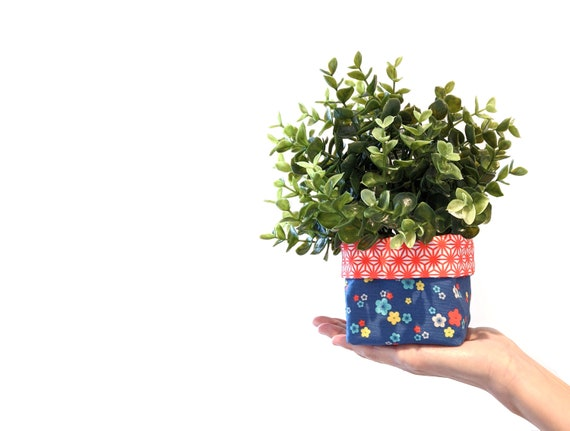 Floral fabric plant cozy with faux plant - blue flower print planter - blue and red reversible fabric plant pot