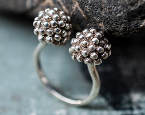 MR62 - Twin Flowerbud Ring