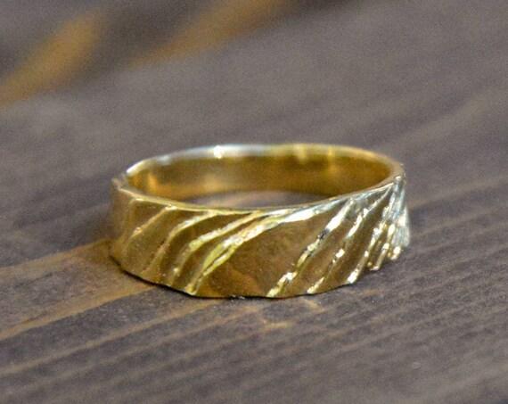 MR56 - Thin Cuttlebone Ring