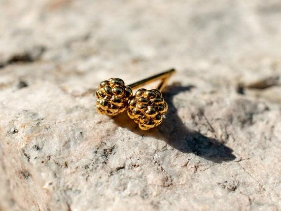 ME02 - Small Flowerbud Studs