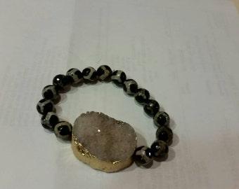 Trendy, Modern, Shabby Chic, Bo Ho, Tibeatan Old Mystical Agate beaded stretch,  bracelet
