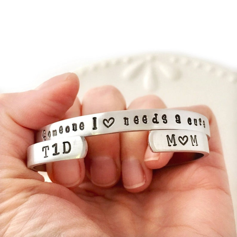 T1D awareness cuff bracelet  Type 1 Diabetes Someone I love needs a cure -  T1D MOM - Heart - Support Group