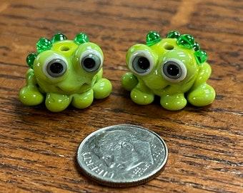 Frog pair ,  Lampwork Bead Pair, Simply Lampwork by Nancy Gant, SRA G55