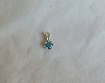 square cut 4 MM blue zircon sterling silver pendant