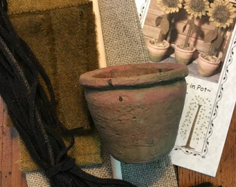 Kit Hooked Sunflower in Clay Pot