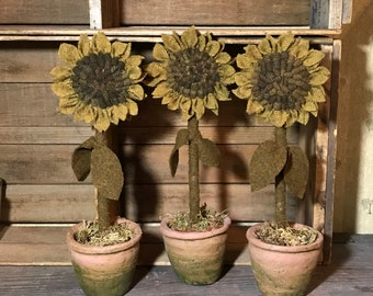 E-Pattern Hooked Sunflower in a Pot