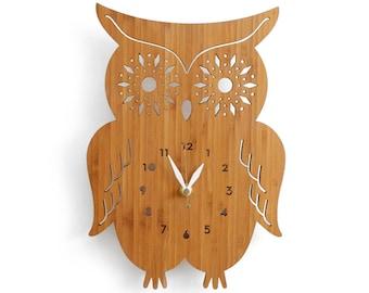 Owl Wall Clock with starburst eyes, modern wall clock, wall decor for nursery, kids room