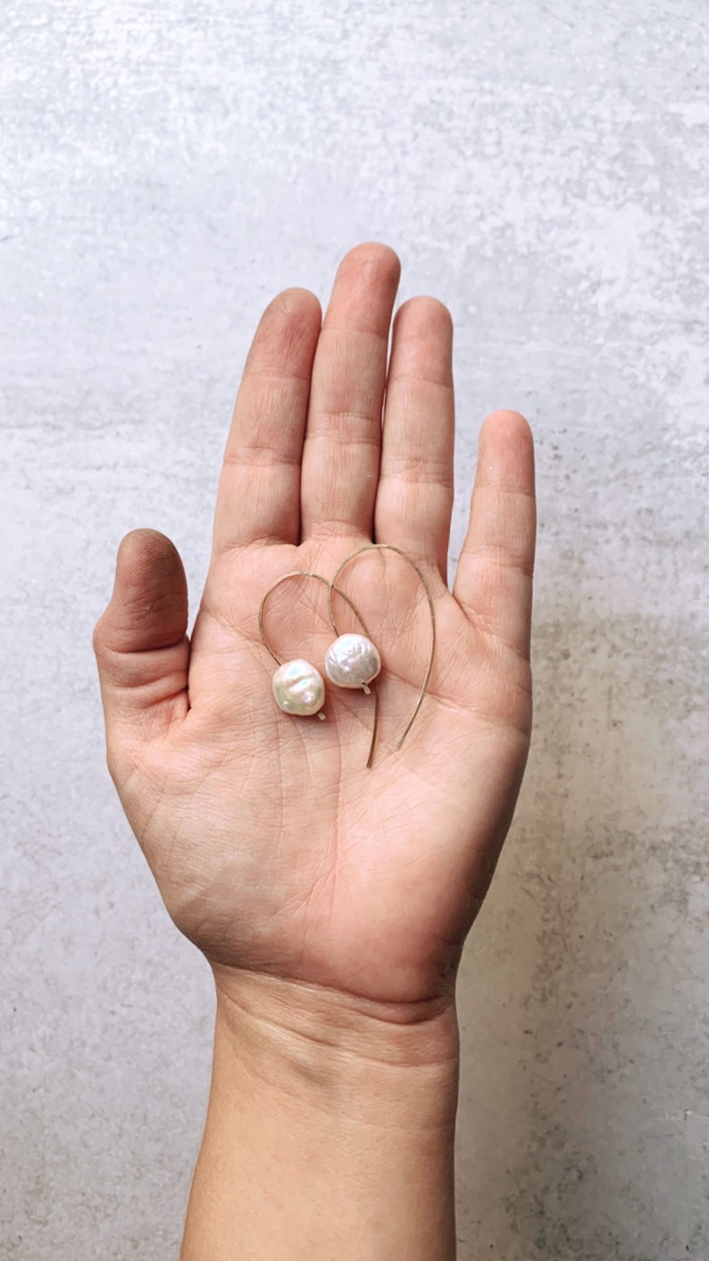 MIDI Ocean open hoops with gemstones coin pearl earrings light image 0
