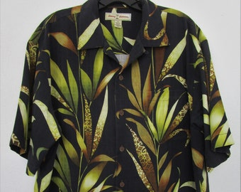 Mens M Tommy Bahama SILK Button Front Shirt Chartreuse Copyright Print batik Palm Tiki Cocktail Vaca
