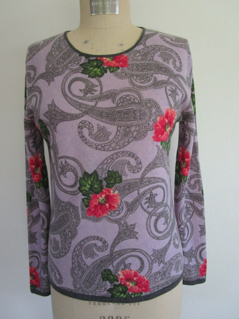 S Floral CASHMERE Pullover Knit Sweater Purple Paisley Crew image 0