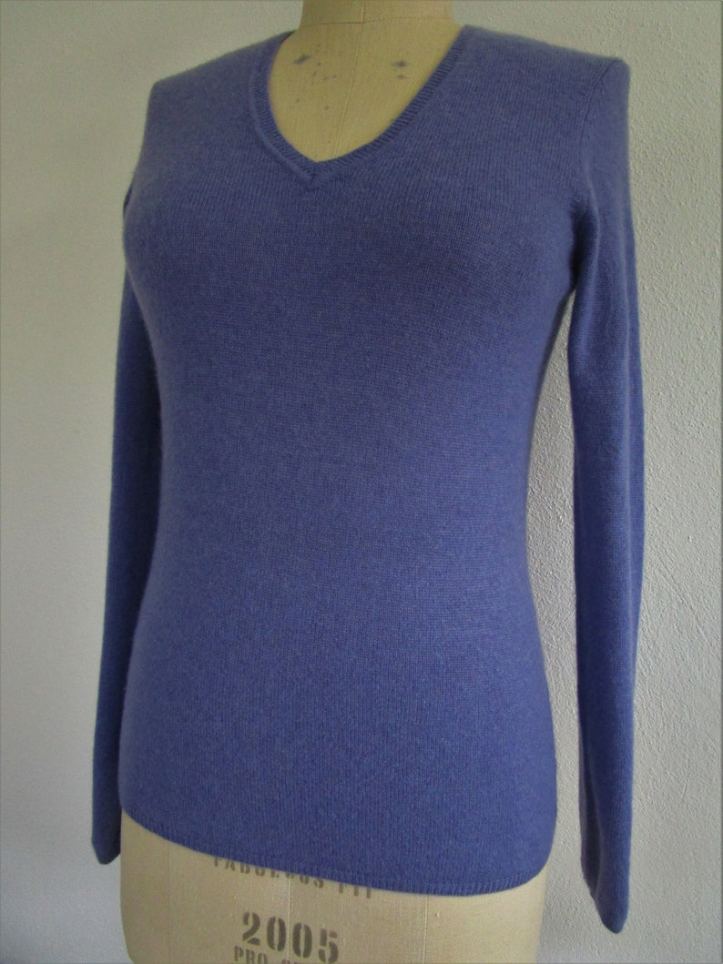 S Macys CASHMERE Lavender Purple Pullover Knit Sweater Charter image 0