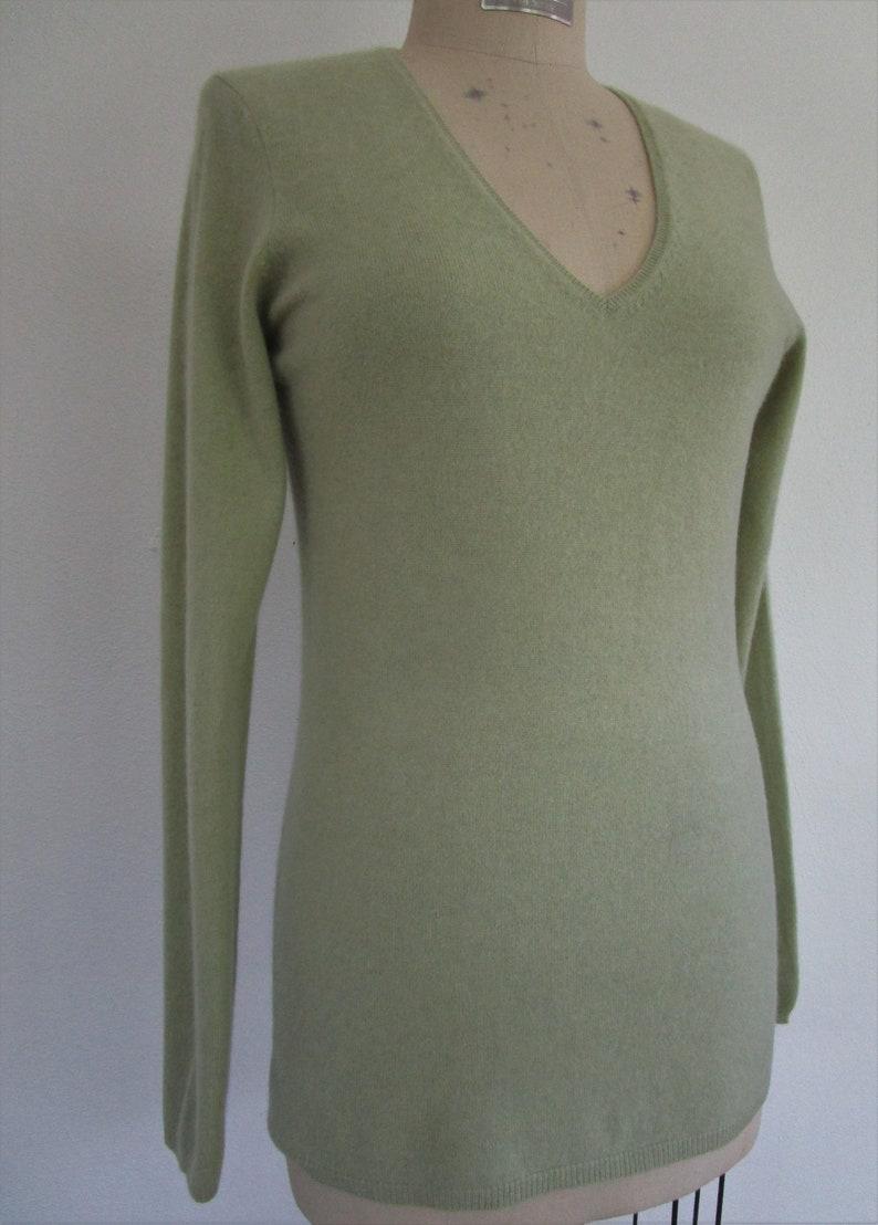 M Kirkland CASHMERE Pullover Knit Sweater V Neck Pistachio image 0