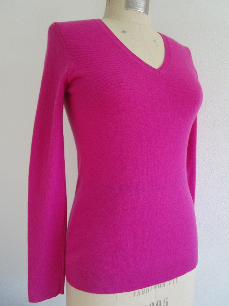 S Fuchsia Pink CASHMERE Pullover Knit Sweater V Neck Cuddly image 0