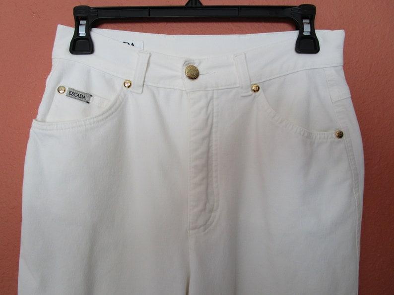 8 Crop Capri Stretch White Jeans Pant Gold Logo Studs Escada IT sz 38