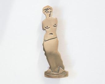 Venus Brooch Pin in Bronze
