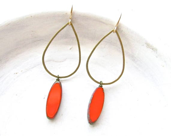 Balance Earrings > Coral