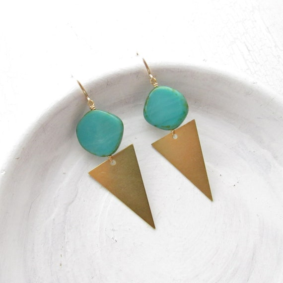 Point Earrings > Turquoise