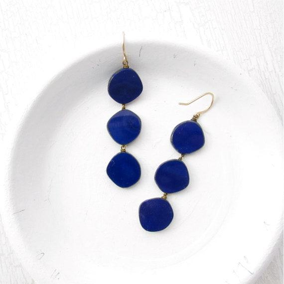 Dot Earrings > Navy